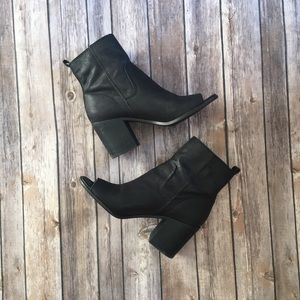 Lucky Brand Shoes - Black Lucky Brand boots Sz 9